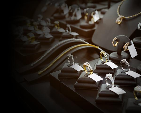 Les bijoux de luxe d'occasion